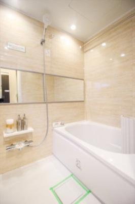 浴室には乾燥暖房機能機能付き。雨の日にも洗濯物が干せます。