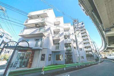 東急田園都市線「用賀」駅から徒歩約4分の立地です。