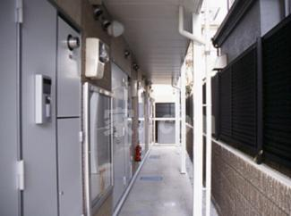【玄関】レオパレスアザレーア(40093-104)