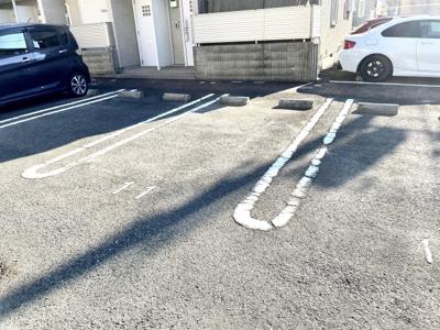 【駐車場】シャーメゾンラシュレ