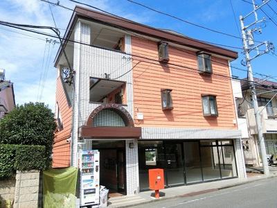 小田急線「東海大学前」駅より徒歩1分!便利な立地の3階建てマンション♪駅近のお部屋をお探しの方におすすめ♪