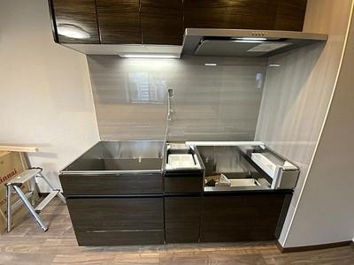 キッチンも新規リノベーションで生まれ変わります。