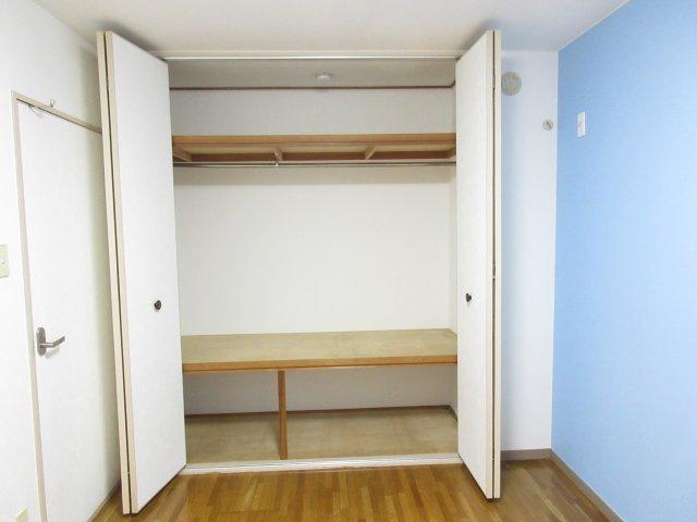 5.5帖の洋室 収納