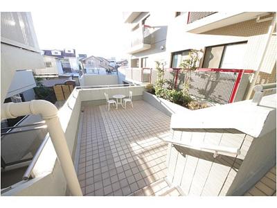 京浜東北線「大宮」駅より徒歩10分の立地。