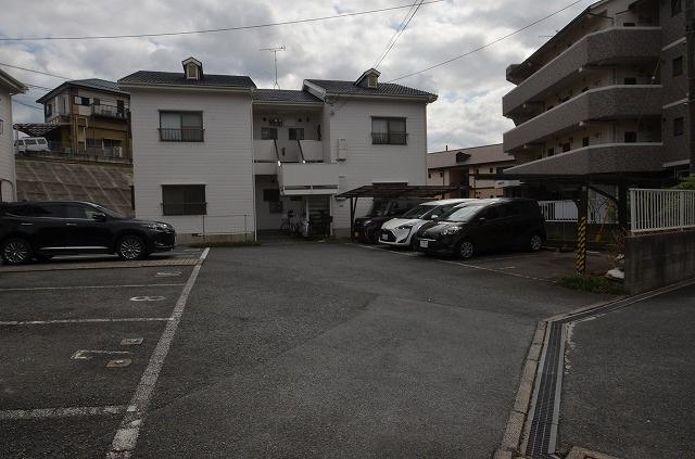 【駐車場】セントハウスA