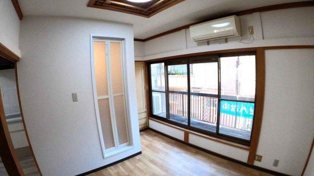 【2階:洋室5帖】ユニットバス完備のお部屋です☆