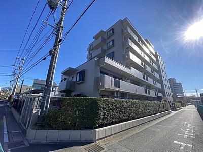 埼玉新都市交通「加茂宮」駅より徒歩約5分の立地。