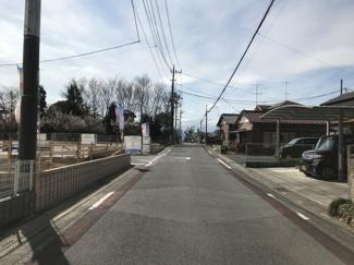 【前面道路含む現地写真】鴻巣市滝馬室の新築戸建 全6号棟 1号棟【No.40320】