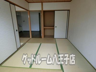 【寝室】フラワーハイツ