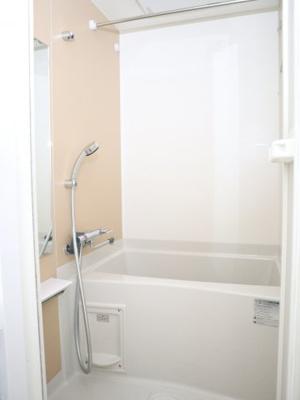 浴室乾燥機能付きです♪