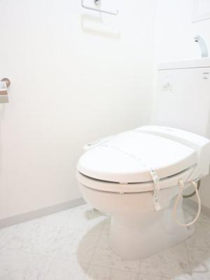 清潔感のあるお手洗いです!!