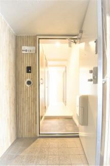 ■おしゃれな玄関です <Comodo Stanza 内装リノベーション中古マンション> ※2021/4月撮影