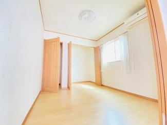 千葉市若葉区桜木 中古一戸建て 桜木駅 ホールからも入れる、多目的洋室です!