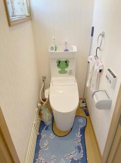 トイレは2か所にあるので慌ただしい朝も快適です。窓もついているので自然換気も良好です