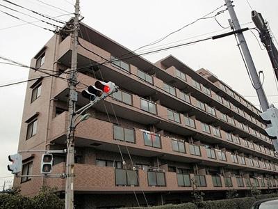 イトーピア川口元郷8階建ての4階のご紹介です。