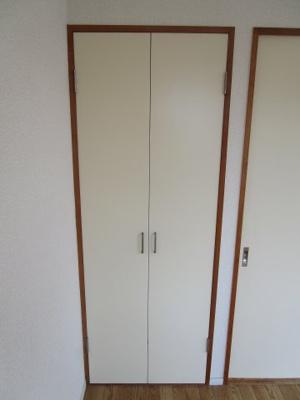 洋室7帖収納スペースです