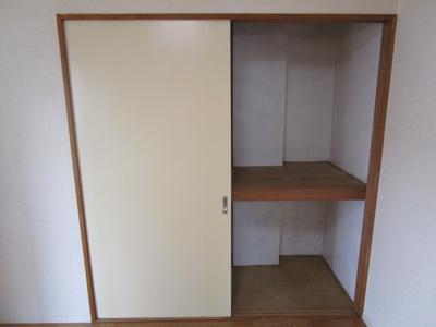 洋室6帖収納スペースです