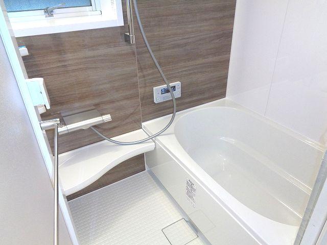 【浴室】メゾン西新