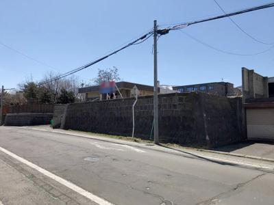 現地前面(敷地に擁壁・階段含む)
