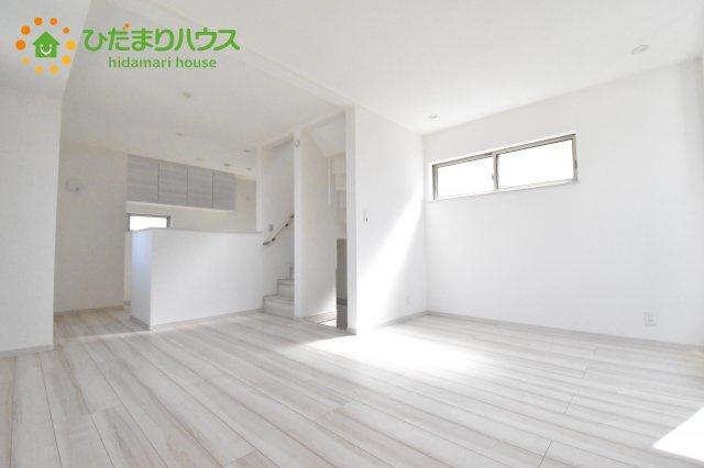 【居間・リビング】上尾市本町4丁目 新築一戸建て