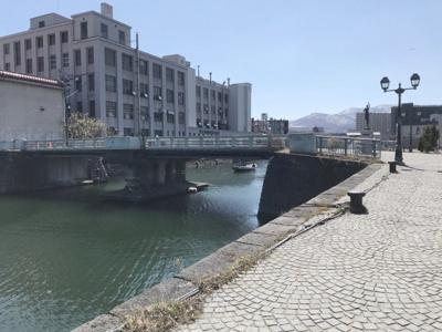 現地向かいの北運河