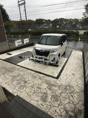 駐車場に車を止められます