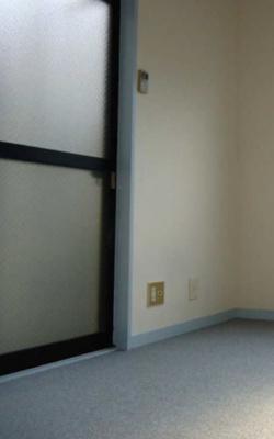 ドアを開けるとエアコンのついた室内に入ります!(^^)!