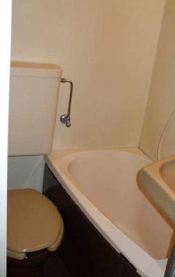 バストイレ同室になります