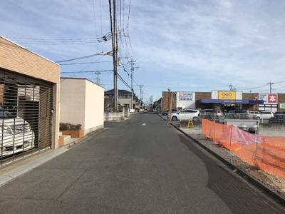 【前面道路含む現地写真】牛久市中央一丁目 大型二世帯住宅