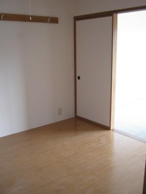 【寝室】ピーチハウス