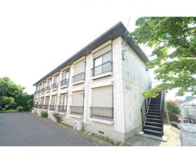 JR京浜東北線「山手」駅より徒歩10分のマンションです。
