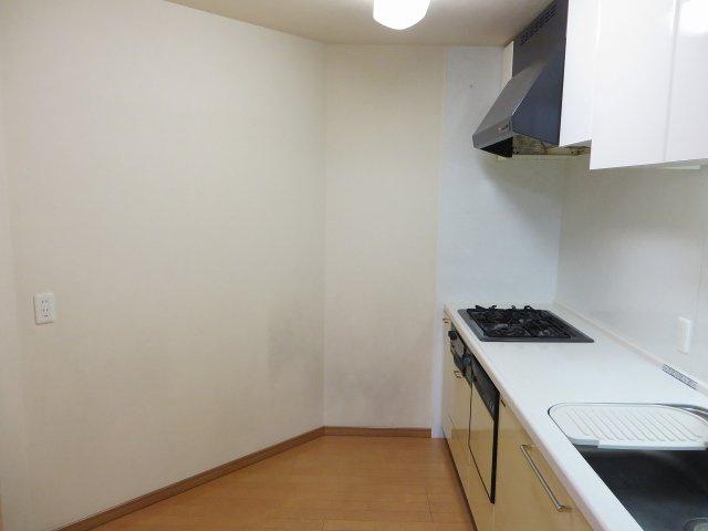 独立タイプのキッチンです! 広さは約3.8帖あります!