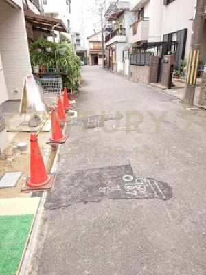 【前面道路含む現地写真】茨木市小川町 新築戸建
