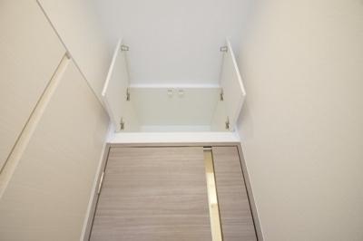 「居室上部にも収納スペースがあります」