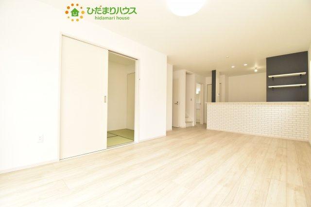 【居間・リビング】上尾市泉台 4期 新築一戸建て 01
