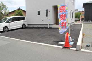 駐車スペース4台可(車種による)