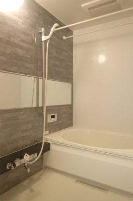 追い焚き機能・浴室暖房乾燥機付きバスルーム♪お風呂に浸かって一日の疲れもリフレッシュ♪
