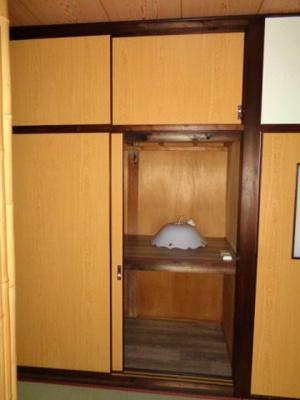 2階 和室5.4畳 押し入れ