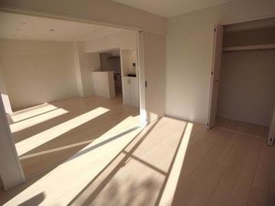 LDKと洋室はフラットな続き間としてもご利用いただけます。