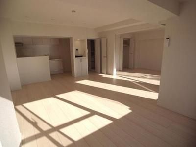 令和3年1月中旬リノベーション完了予定、清潔感あふれる室内。