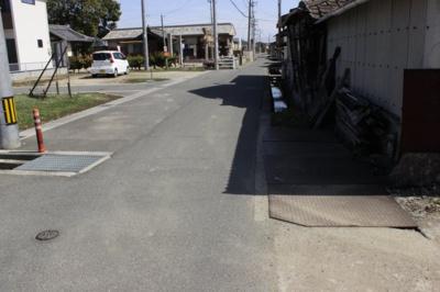 【前面道路含む現地写真】福山市御幸町上岩成 売土地
