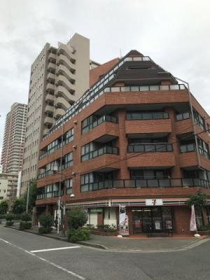 京浜東北線「川口」駅が徒歩3分圏内と便利な立地。