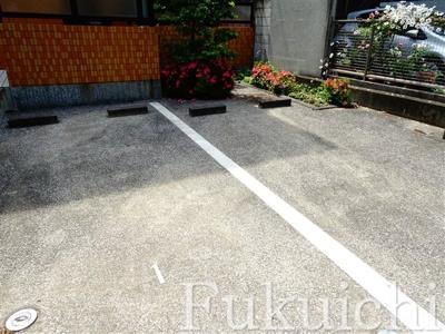 【駐車場】柿の木坂オーキッドハウス
