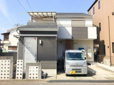 平成24年2月建築の築浅物件です♪両面道路で1階の洋室は事務所としても使用可能です♪