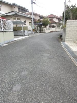 【前面道路含む現地写真】神戸市北区鳴子2丁目中古戸建