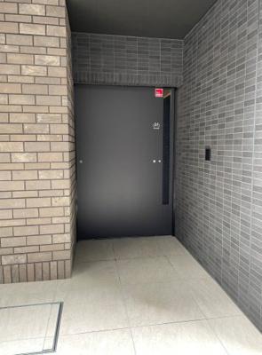 駐輪場入り口ドア