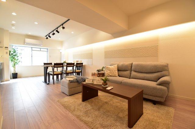 エコカラットをあしらったお洒落な空間に生まれ変わりました。家具付きですぐにでも新生活をスタート