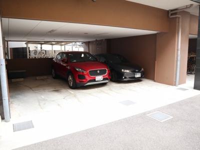 敷地内駐車場です!
