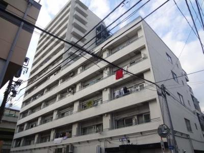 都営三田線「板橋本町」駅徒歩約1分、通勤通学に便利な立地。