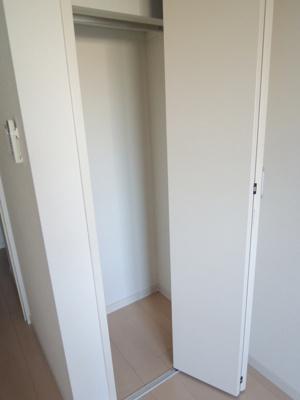 ゆとりある洋室